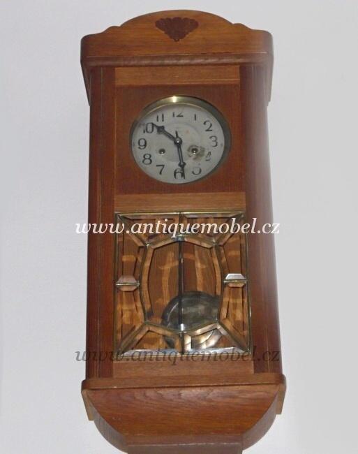 ... Starožitnosti Antik Praha Mikšík · Art Deco Pendlovky Halabala 2078cf46b91