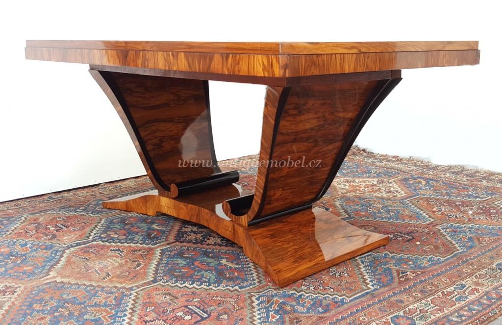 datování starožitný dřevěný nábytek harmonie panovník h1260 datování